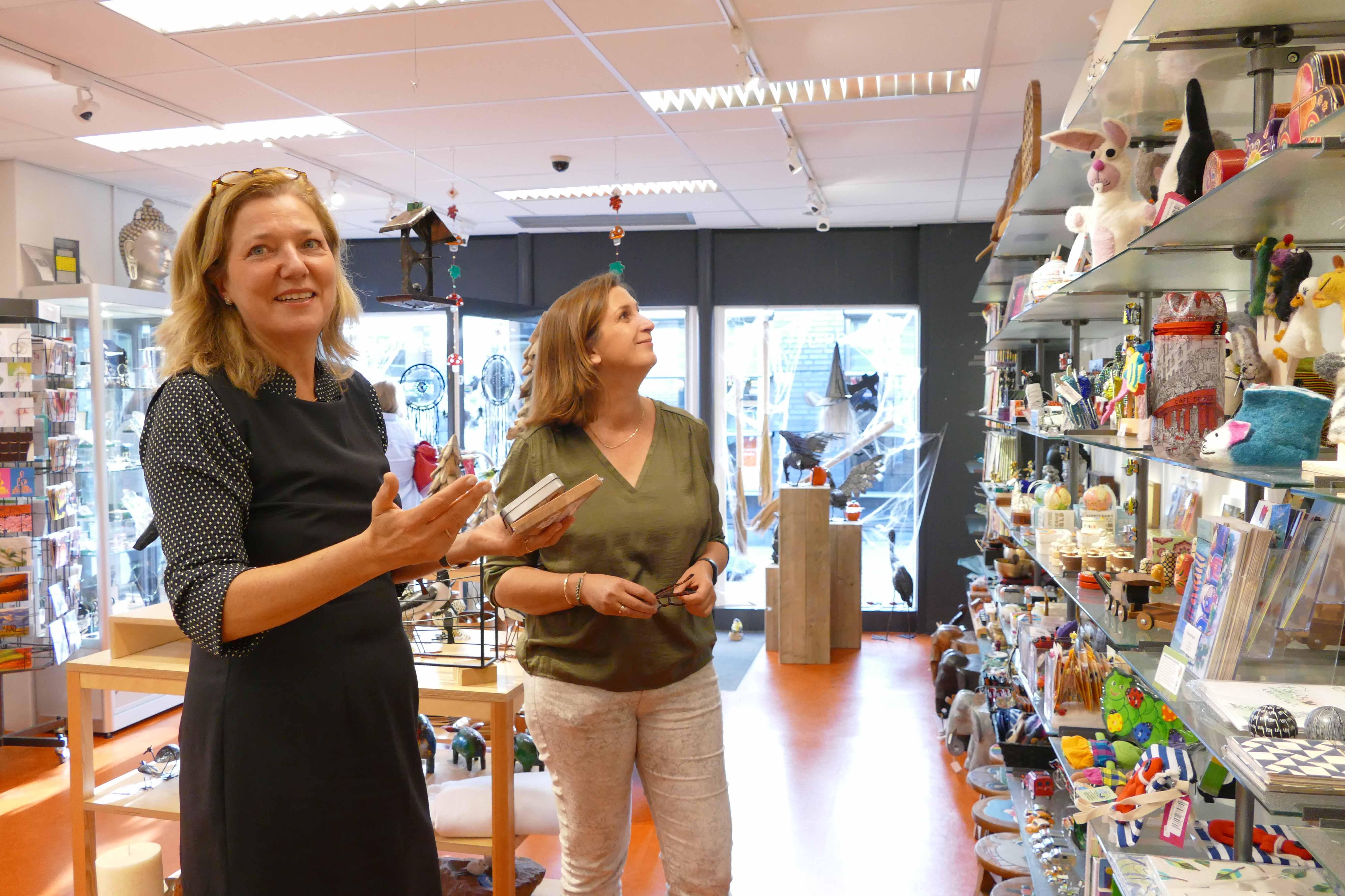 """De """"Fairtrade Tafel"""" Van Wethouder Lia De Ridder"""